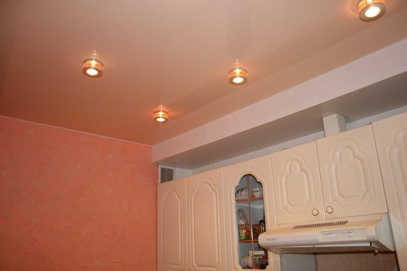 матовый потолок на кухню