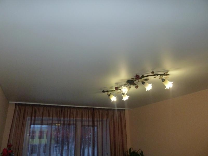 Матовый потолок в спальню