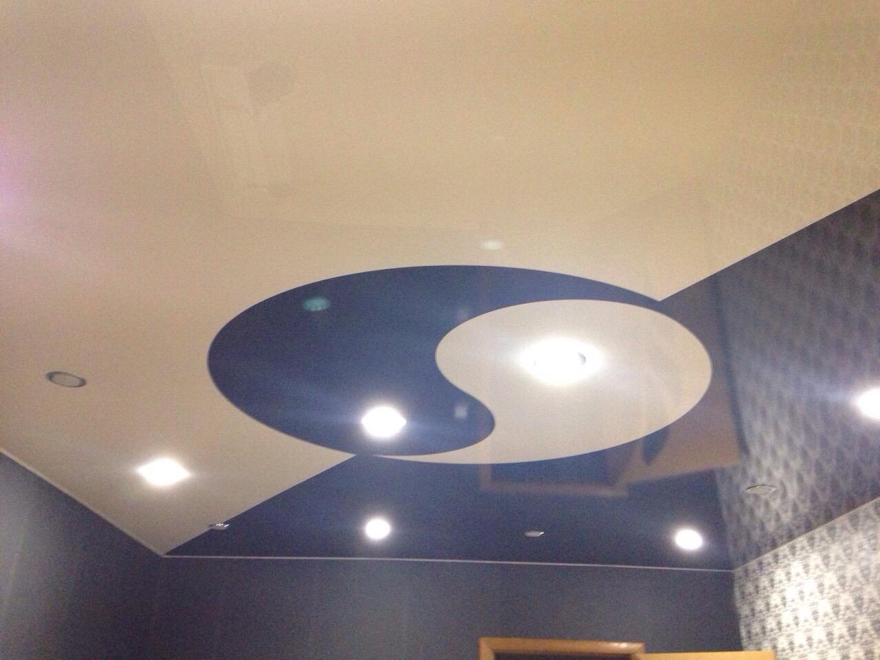 Натяжной потолок инь янь фото