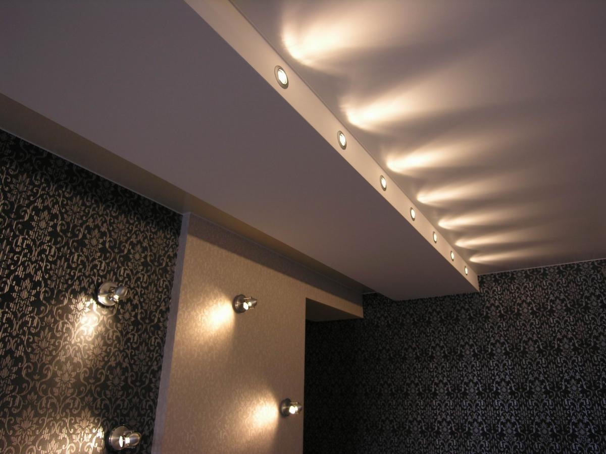 Матовый потолок в прихожую