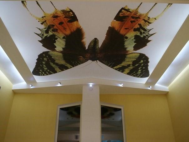 Тканевый натяжной потолок на балкон